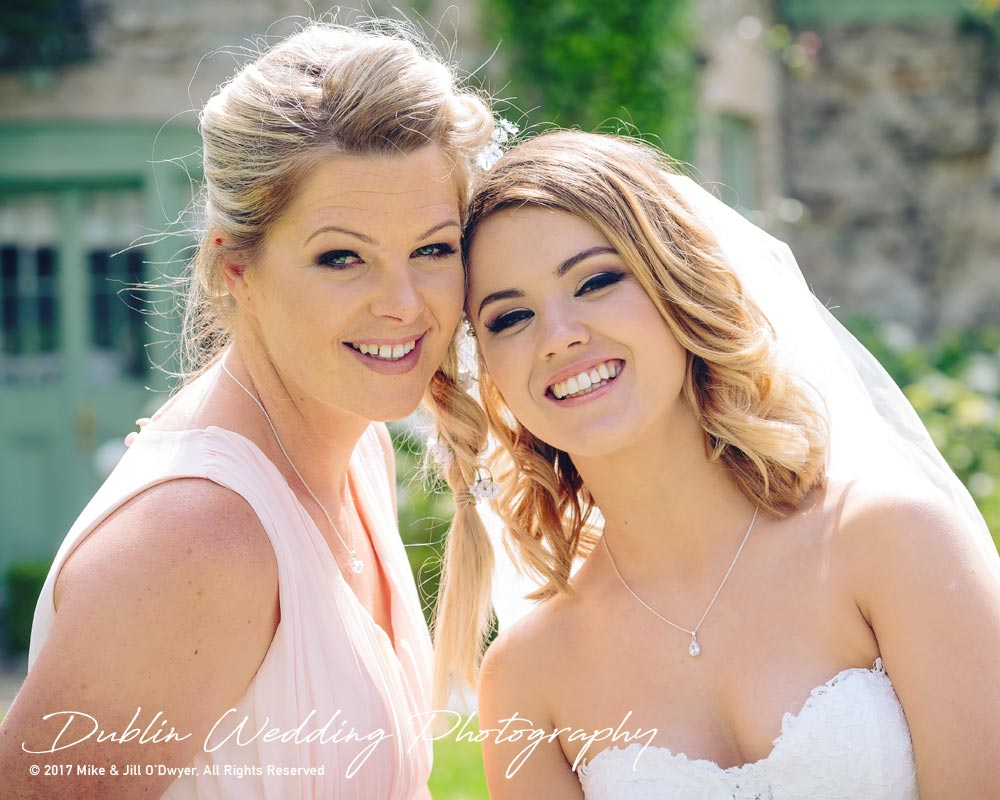 wedding photographer at Cliff at Lyons - Bride & Maid of Honour