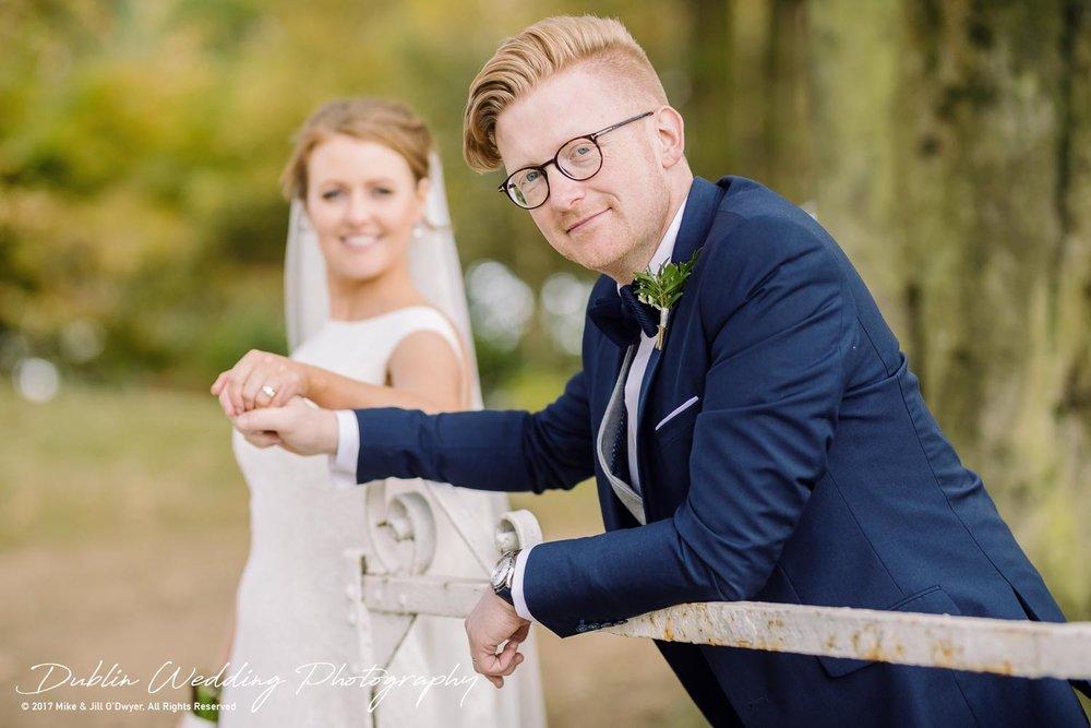 Tinakilly House Wedding Photographer: Bride & Groom at Tinakilly gate
