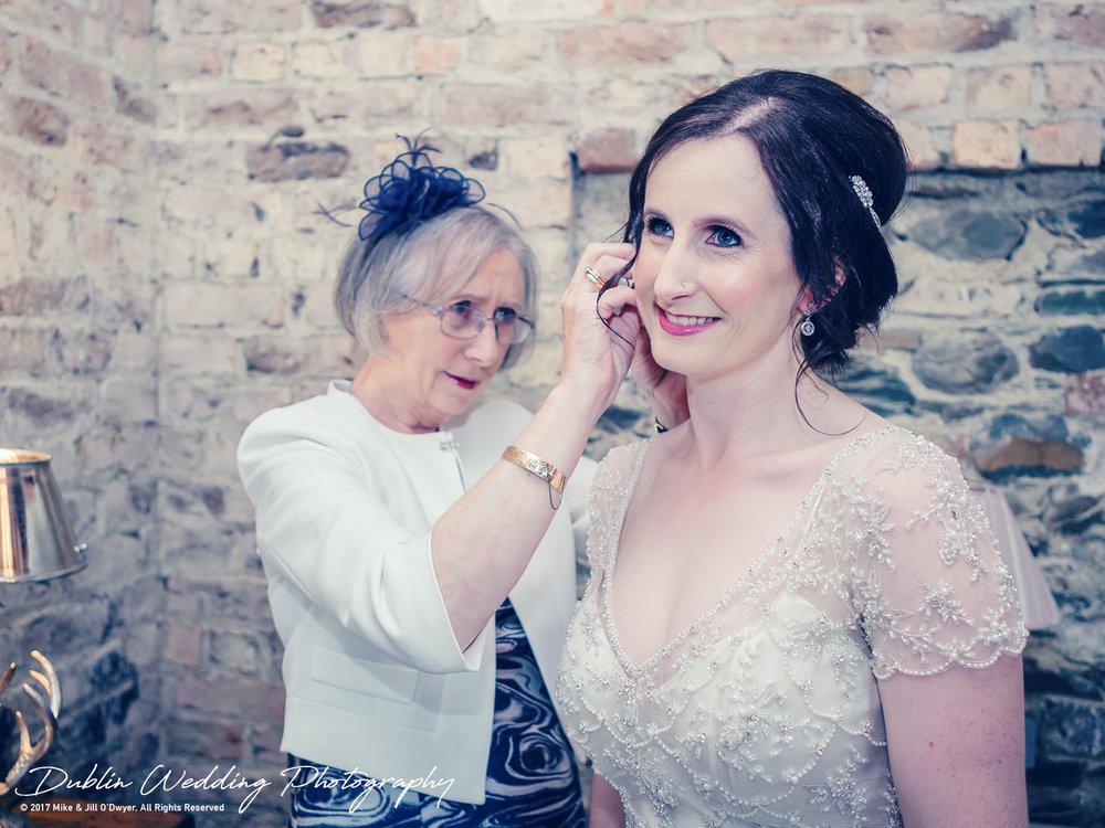 018-shane-sarah-bellingham.jpgBellingham Castle, Wedding Photographer, Louth, Dublin, Bride & Mum getting Ready