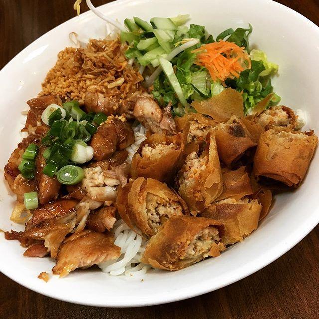 Grilled chicken vermicelli. #delicious #hangoutasiangrill #katytx #healthyfood #vietnamese #houston #restaurant