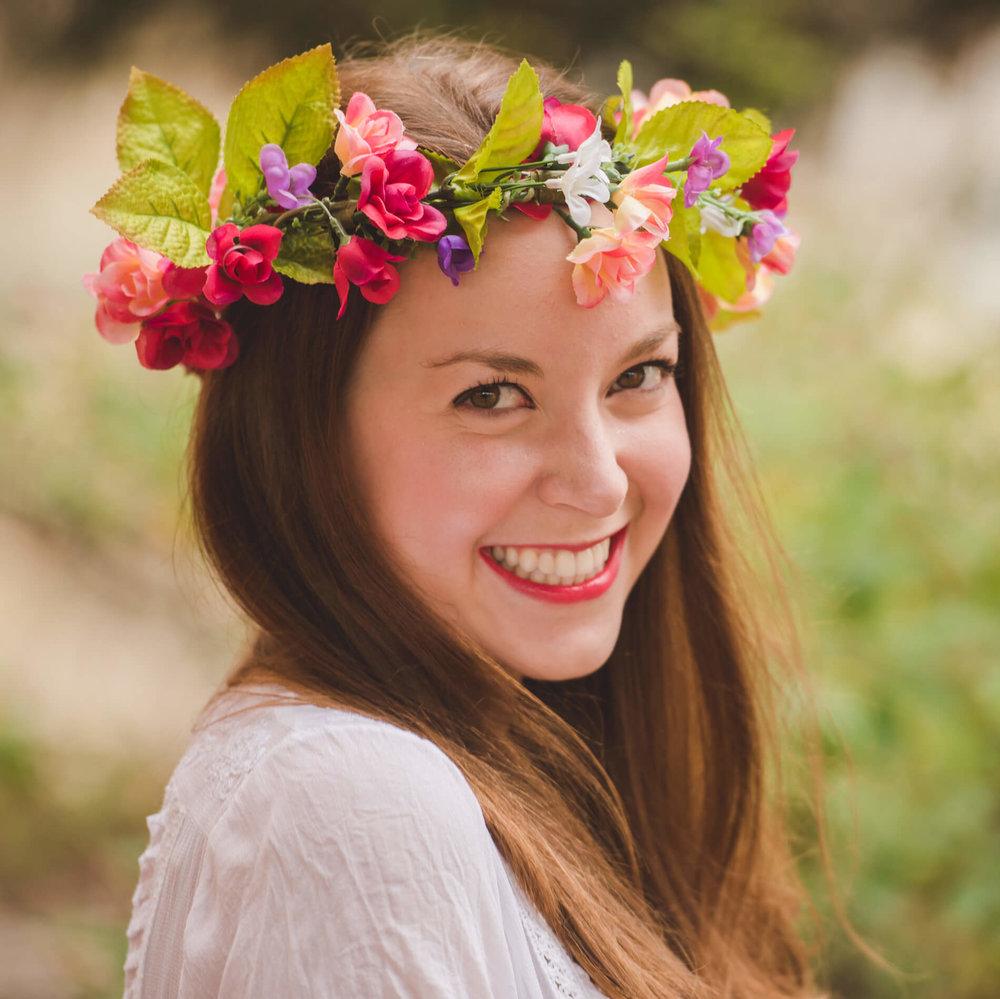 Kelsey Henry Headshot 2.jpg