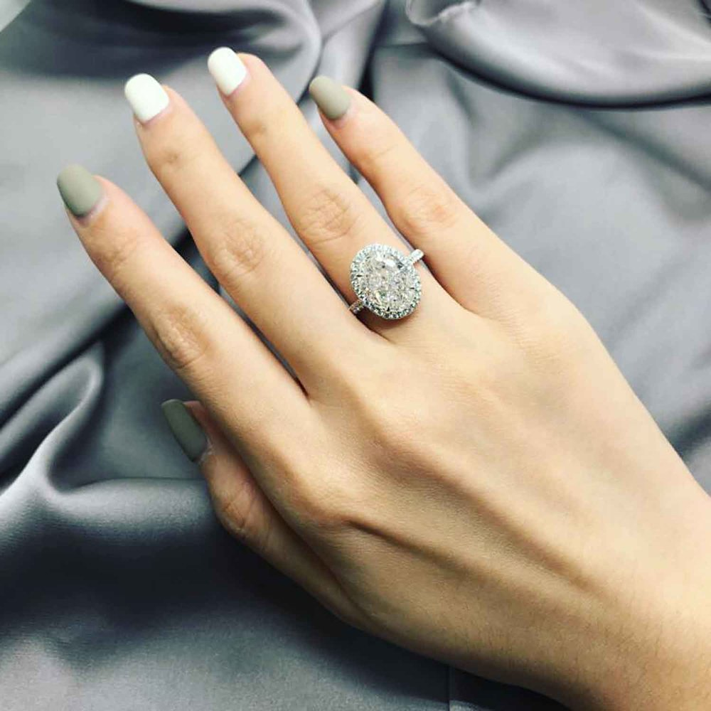 PERSONALIZED OPTIONS - You will receive diamond and ring style options based upon your budget and our expert guidance so you get the best possible value for your engagement ring.