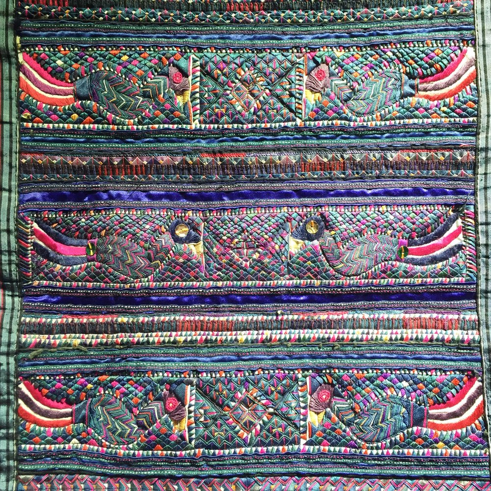 miao-folded-cloth-piecework-china3