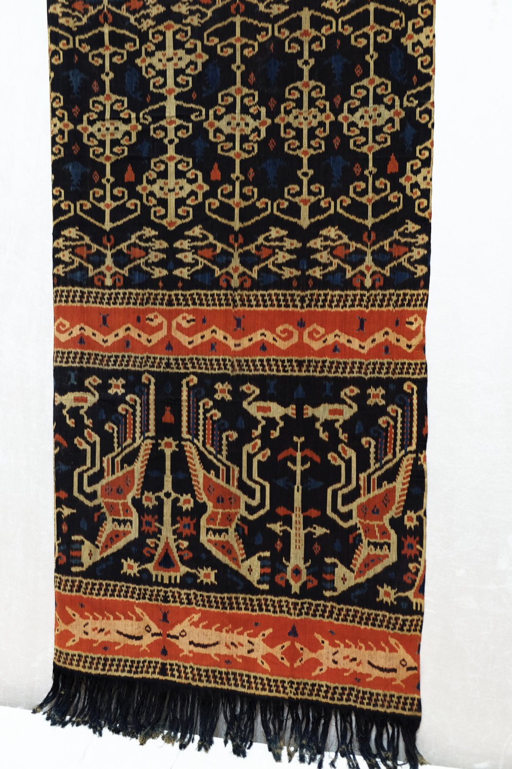 Sumba, East Sumba Kapunduk Hinggi (men's blanket) Warp ikat in hand-spun cotton 1930-1945