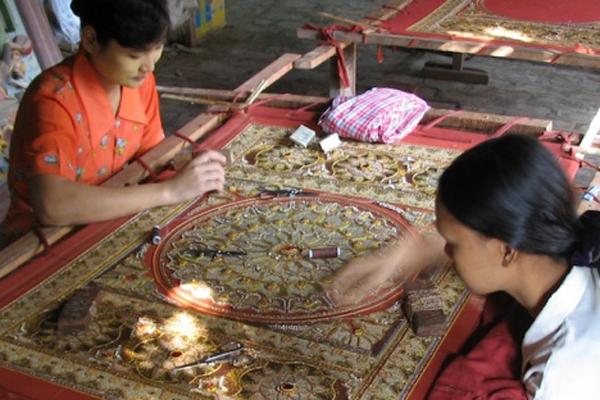 kalaga-tapestry-myanmar2