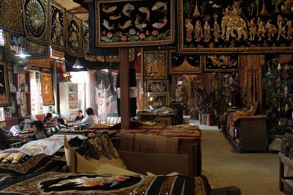 kalaga-tapestry-myanmar4