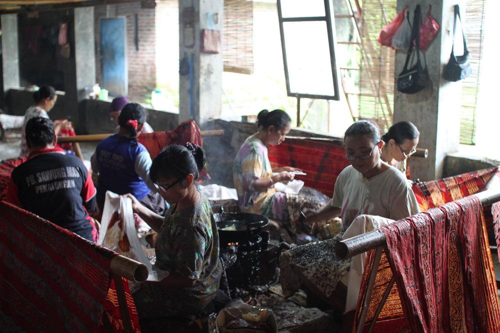 batik-in-batik-tohal-workshop-pekalongan-indonesia5