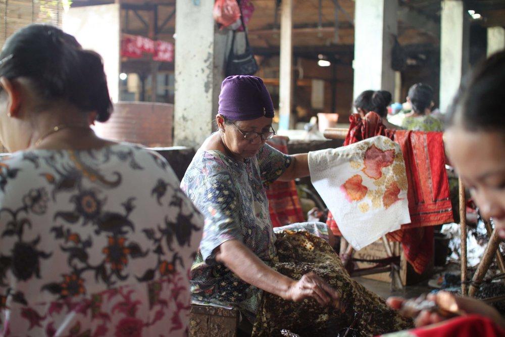 batik-in-batik-tohal-workshop-pekalongan-indonesia13