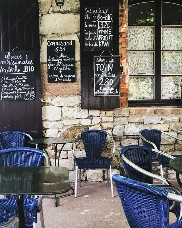 S I R O P  DE  F O I N - 💙 La Sardine petit troquet dans les hauteurs de Naves . . . . . #naves #ardeche #holidays #siropdefoin #decouverte #picoftheday #bistrot #francelovers #southoffrance