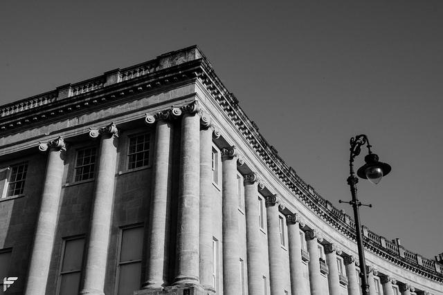 The Royal Crescent, Bath - Fuji XT2, XF16-55mmF2.8, 31.1 mm, f22, 1/125s, ISO 320