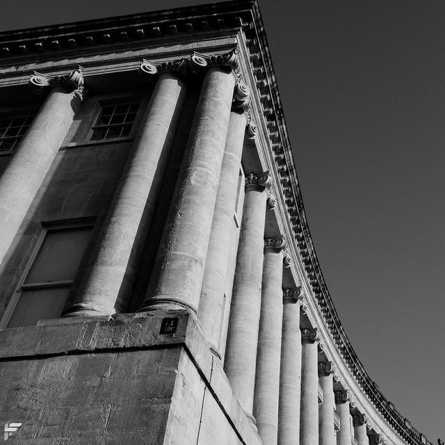 The Royal Crescent, Bath - Fuji XT2, XF16-55mm F2.8, 18.7 mm, f22, 1/125s, ISO 640