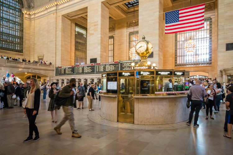 Grand Central Terminal by Robert Steemson