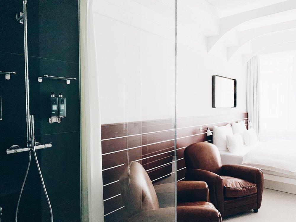 lovelyroom.JPG