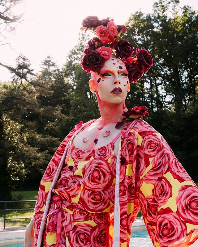 Serving #gorgeous! Another one from the #dragqueensunitedtheweekend. 🌹  #dragfashion #dragqueenmodel #dragqueenworld #dragqueensforabettertomorrow #draglife #localdrag #supportlocaldrag #dragaholic #dragphotography #dragphotographer #dragartist #welovedragqueens #instadragqueen #dragmakeup #queerfashion  #portraitphotographers #portraitkillers #queerphotographer #lgbtphotographer #dragqueensofinstagram #dragperfection #qwerrrkout #dragshoot #documentaryphotographer #documentaryphoto #dragperformer #kasparsbekeris