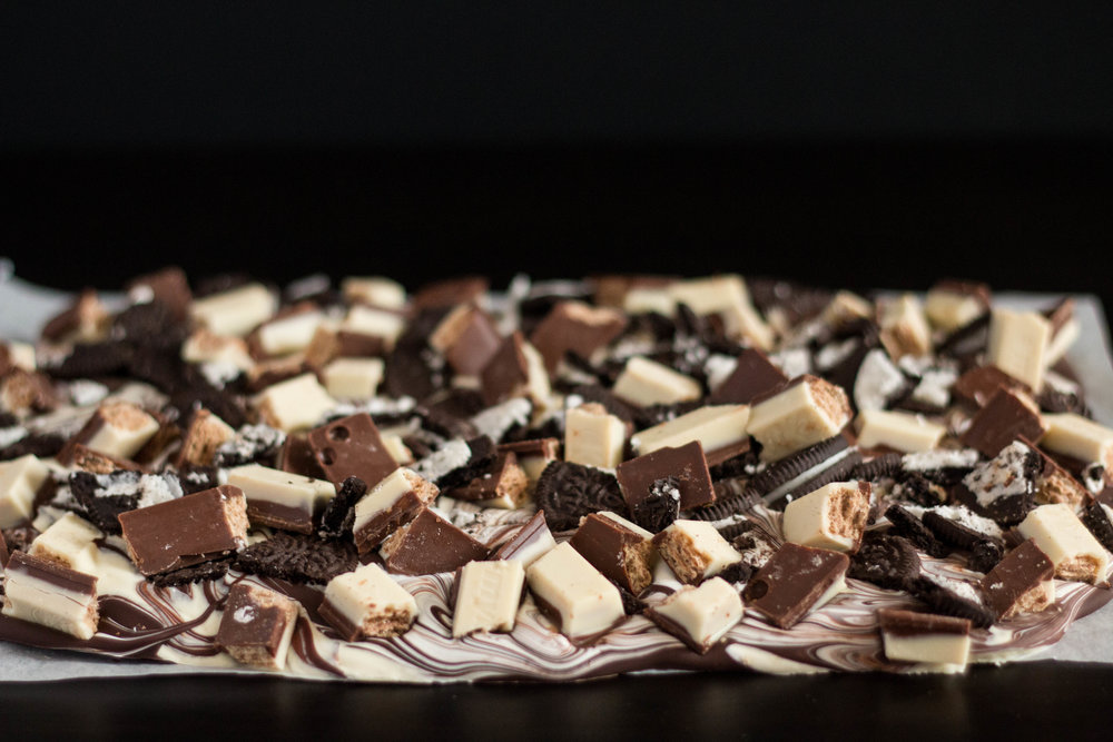 Cookies and Cream Oreo Chocolate Bark