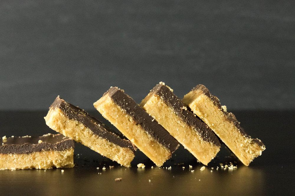 No Bake Vegan Chocolate Peanut Butter Bars