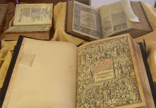 Cromwell-Bible_web-001.jpg