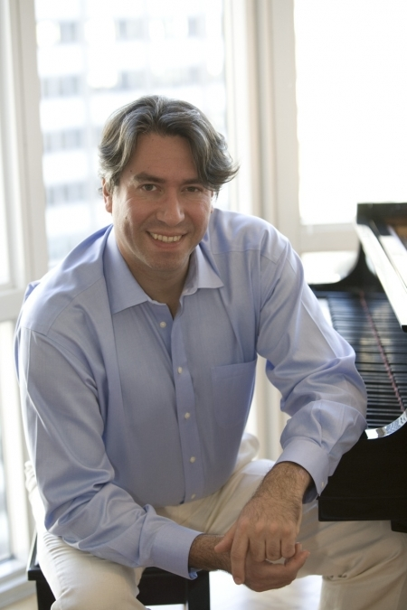 Affiliated Professor of Music and the Arts<br><strong>Dr. Julian Wachner</strong>