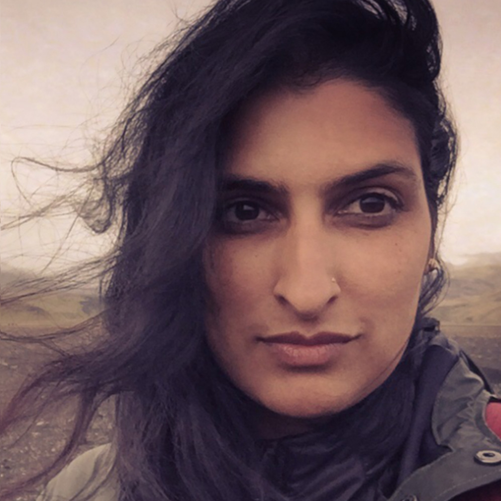 FARAH KHALID Commercial & Film, Director/Editor (The Remix)   Farah X graduated USC's Film Program with honors in 2000 and soon after, she was flown out to NY to work with Mariah Carey — a relationship that is ongoing to this very day. In her several years working with Mariah, she has directed several projects for her and continues to be her personal editor. Besides being an editor to the stars, Farah's first few directorial projects led Billboard magazine to name her one of the top ten up and coming directors.