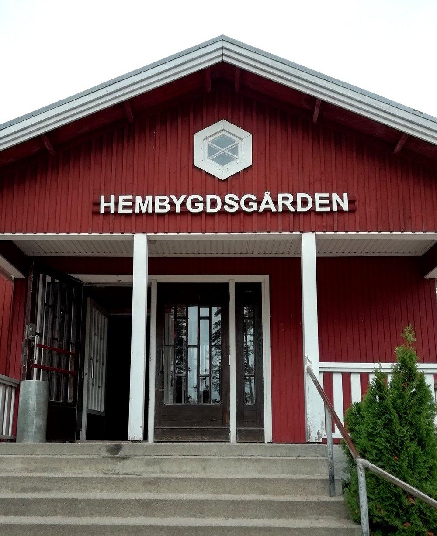 Hembygds-gården - Tunnelmallinen juhlatila vuokrattavissa Inkoossa. Tilat jaettavissa joko pienempiä juhlia varten tai mahdollisuus avata yhdeksi isoksi tilaksi, jolloin vieraita mahtuu jopa 200.Kysy lisää: tarjoiluapu@gmail.com