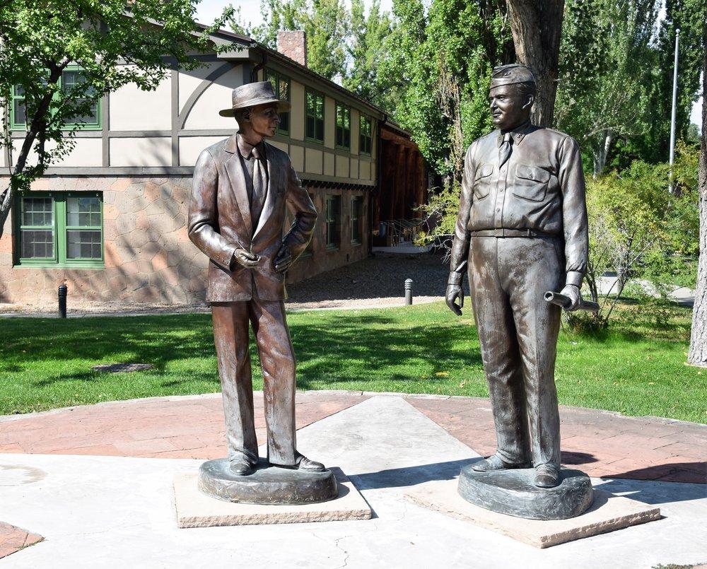 Los Alamos- Robert Oppenheimer & General Leslie Groves