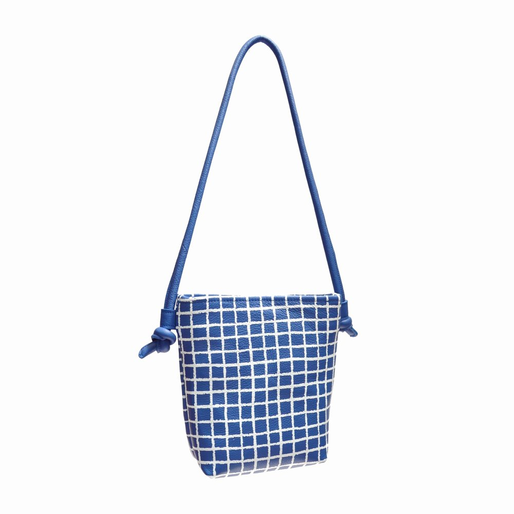 blue grid2000X2000.jpg