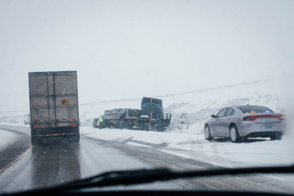 A truck crash along the snowy highway in Oregon