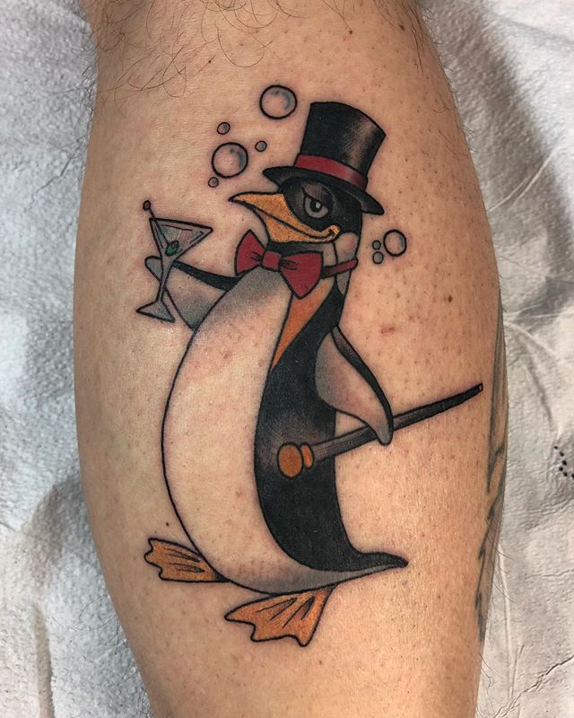 Fun fancy penguin to end the day. #805ink #santabarbara #santabarbaratattoo #tattoo #tattoos #traditionaltattoo #neotraditionaltattoo #dowhatyoulovelovewhatyoudo #tryharder #wizardofarts