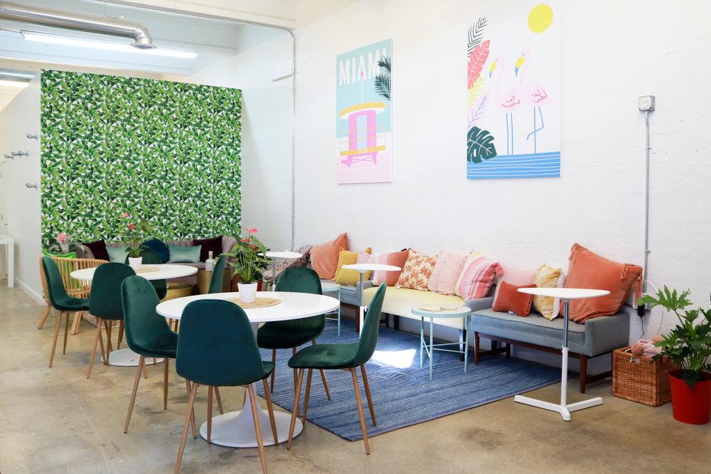 living-room-muj-2.jpg