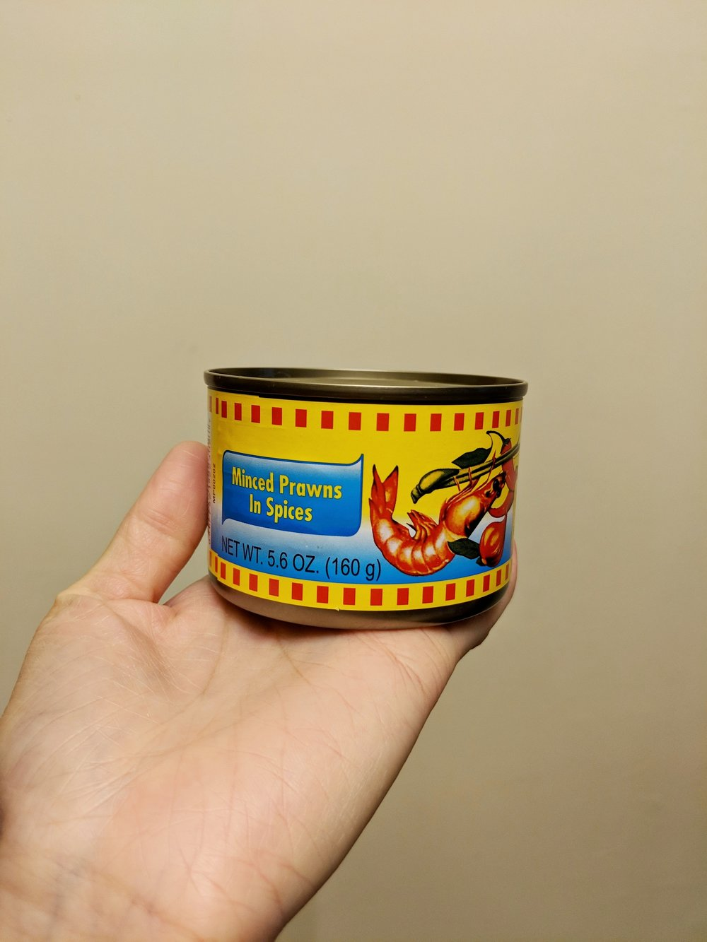 Fear not, there is english on the can too!