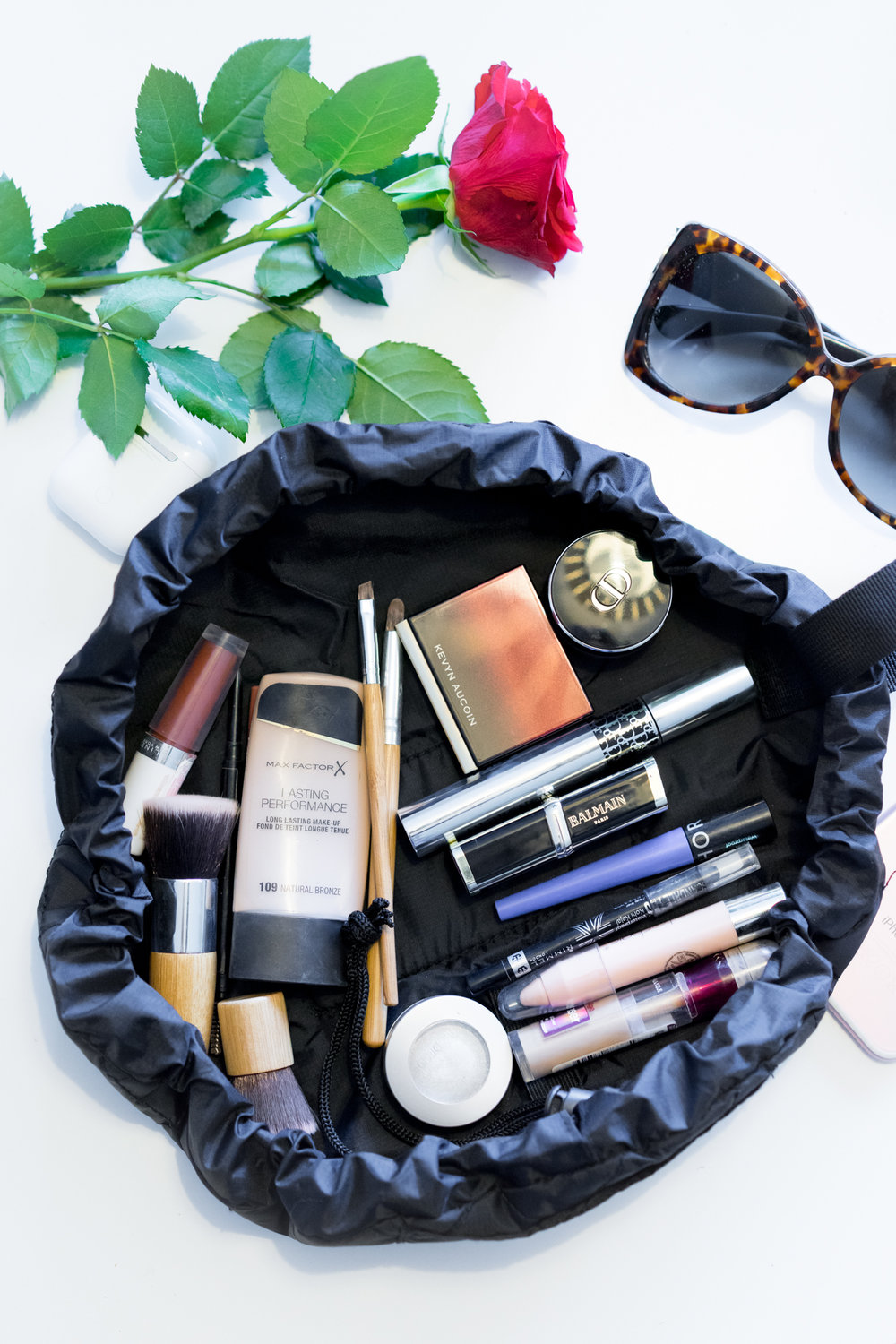 The Flat Lay Company Makeup Bag