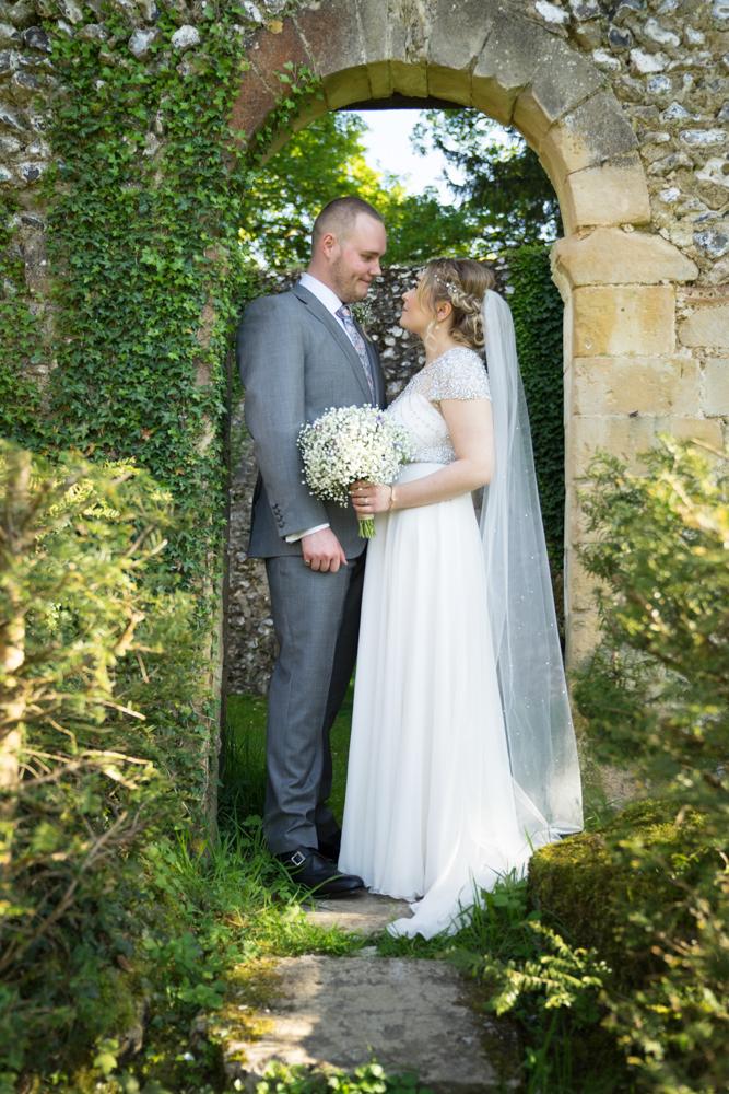 Winchester Wedding photographer Sarah bacchus-01335.jpg