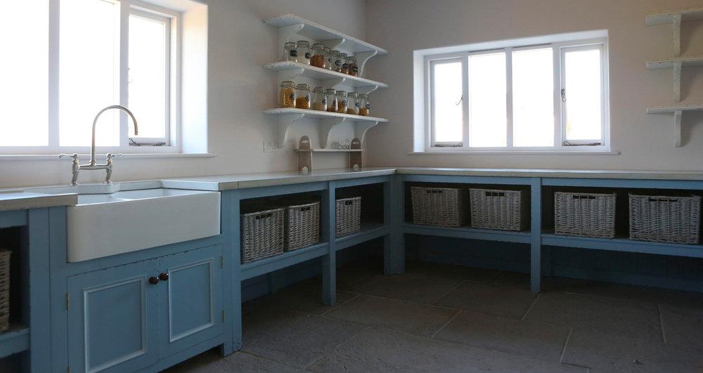 powder-blue-kitchen-unit-concrete-worktops.jpg