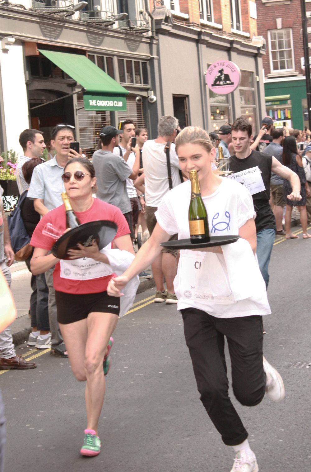 Soho_Waiters_Race_Dean_Street.jpg