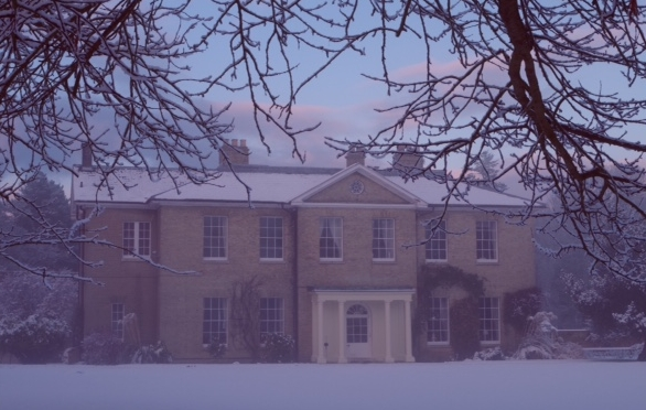 Santa's Snowy Country Retreat, Aldborough Hall, Aldborough, North Norfolk | Join Santa Claus at Aldborough Hall, Norfolk and feel the first Magical Snowflakes of Christmas. | Santa, Christmas, event, children, crafts, cafe, elves, cakes, biscuits, mulled wine, present, mince pies, Christmas tree