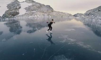 - Esperemos poder disfrutar de buen tiempo y buena nieve.19h - Antes de que empiecen las agujetas.. ¿Quién se anima a patinar sobre hielo? Incluso contaremos con un profesor de patinaje**Obviamente, tiene que haber hielo suficiente en el lago para poder patinar. El alquiler de los patines no esta incluido.