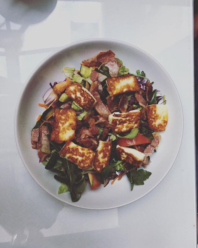 Today's special: halloumi and bacon salad!! . . . #halloumisalad #halloumi #bacon #salad #healthyeating #healthyfood #cheese #foodie #foodgame #notts #nottsfood #nottinghamfood #nottscity #nottinghamindependent #supportlocal #thursdayvibe #thursdaytreat #specials #menutoday #lovefood #comfortfood #foodblogger