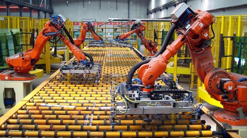Industrial Robotic Arms in a Modern Manufacturing Setting