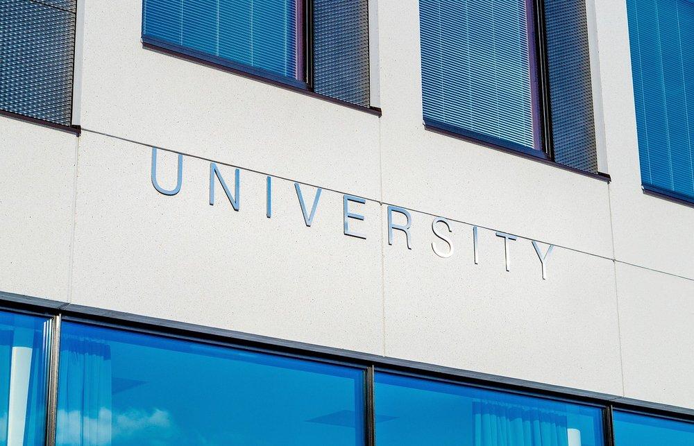 university-2119707_1280.jpg