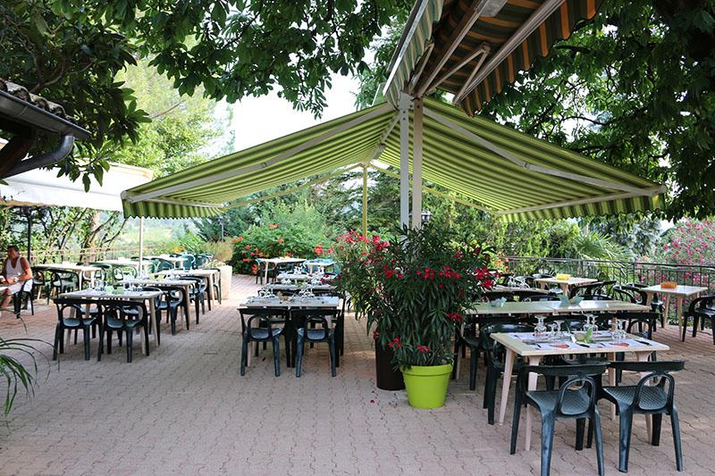 CampingLeChamadou-sudardeche-4etoiles-restaurant3.jpg