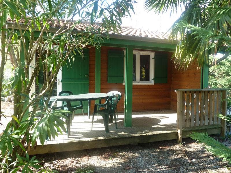 campinglechamadou-sudardeche-4etoiles-locations-mobilhomes-chalets-lavandin1.jpg