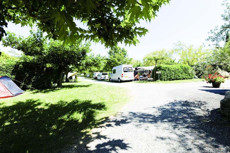 CampingLeChamadou-sudardeche-4etoiles-emplacement4.jpg