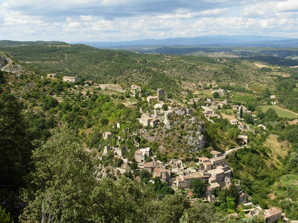 CampingLeChamadou-sudardeche-4etoiles-ardeche-villages-rochecolombe3.jpg