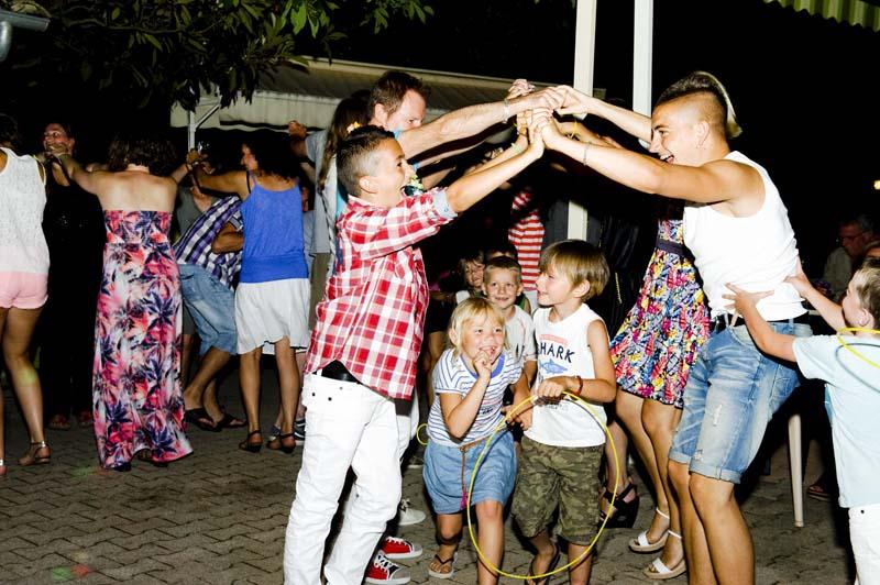CampingLeChamdou-4étoiles-Ardèche-soiréesdansantes-DJ