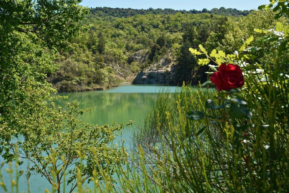 CampingArdècheBalazuc-Nature-Tranquillité-Lac-LeChamadou-4étoiles.jpg
