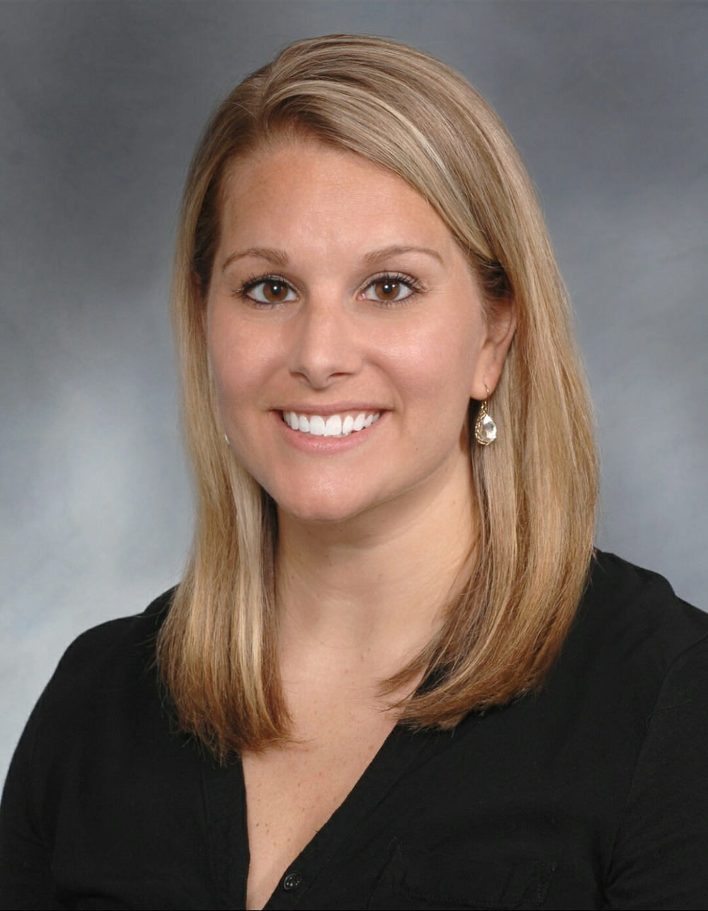Beth Yeary Real Estate Headshot.png