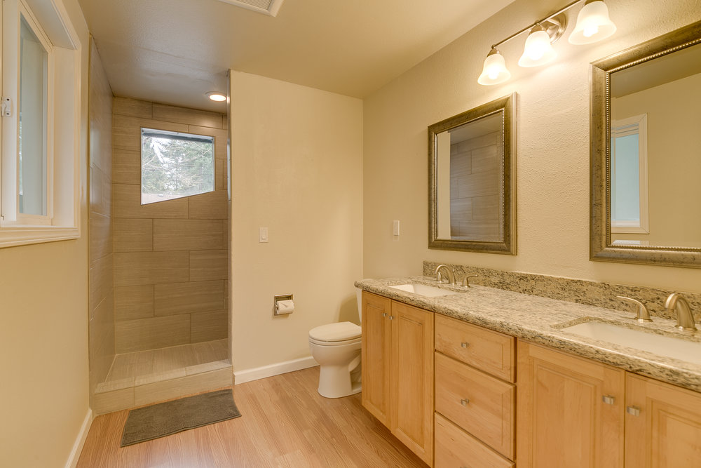 Master Bathroom.1.jpg