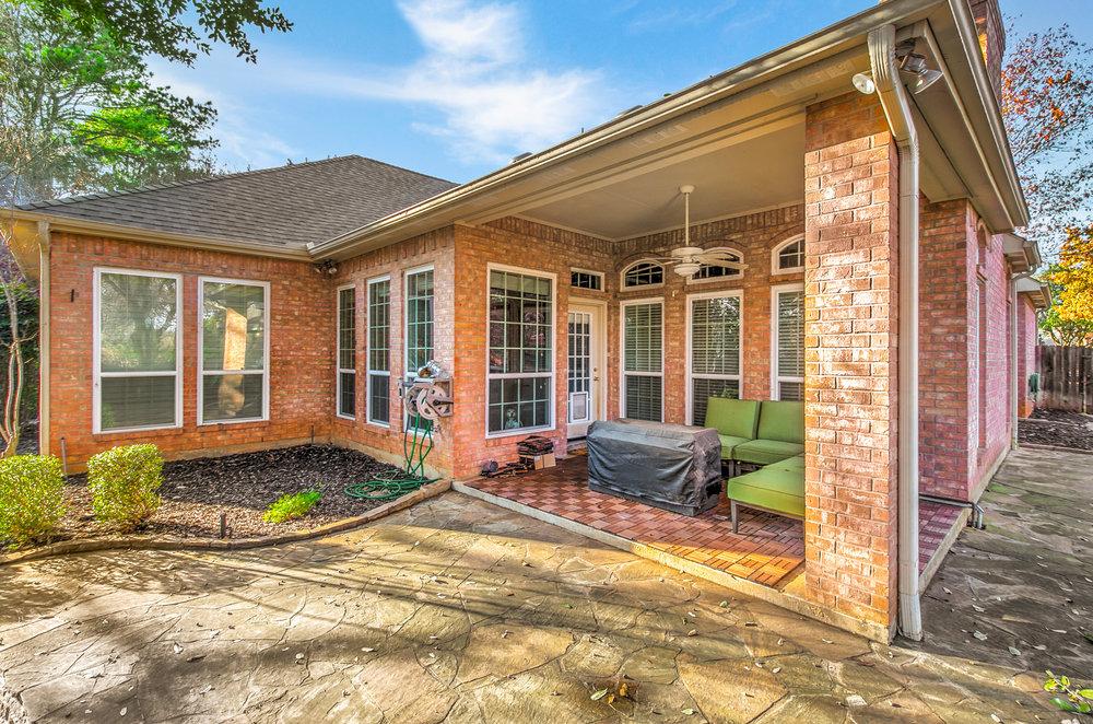 NEW 509 Dorcas Lane-6 backyard.jpg