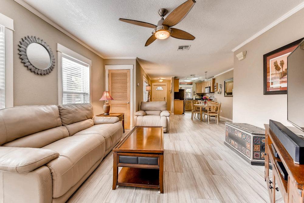 3-1804 Oregon Street Orlando FL-large-007-19-Living Room-1499x1000-72dpi.jpg