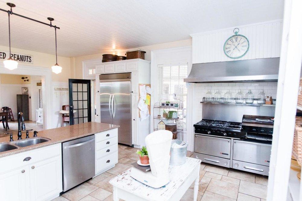 amanda kitchen.jpg